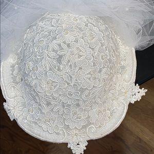 Bridal veil/hat